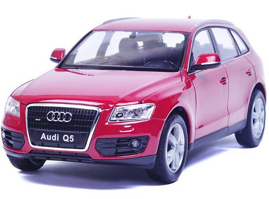 Red / White / Black 1:24 Scale Welly Diecast Audi Q5 SUV Model