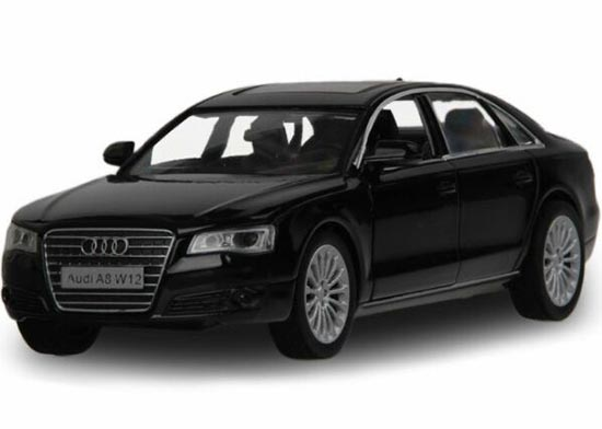 White / Black 1:32 Kids Pull-Back Function Diecast Audi A8 Toy