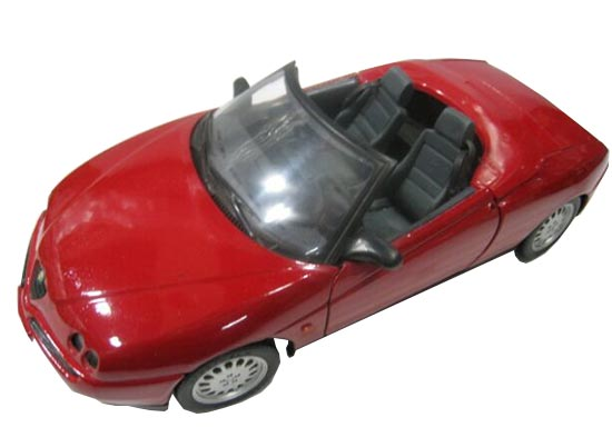 Red 1:18 Scale MaiSto Diecast 1995 Alfa Romeo Spyder Model