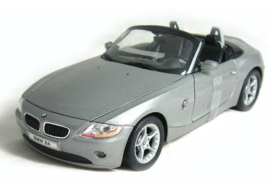Blue / Gray 1:24 Scale Welly Diecast BMW Z4 Model