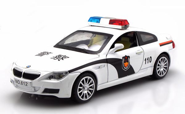 White 1:32 Scale Kids Police Theme Diecast BMW M6 Toy