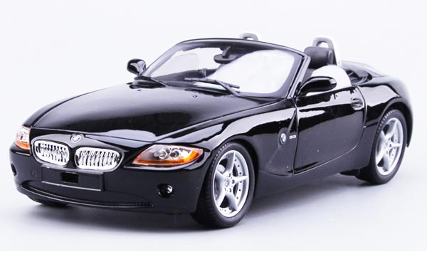 Black Bburago 1:18 Scale Diecast BMW Z4 Model