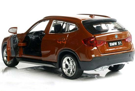 Kids 1:28 Scale Pull-Back Functions Diecast BMW X1 SUV Toy