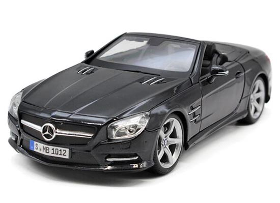 1:18 Scale MaiSto Black / White Mercedes-Benz SL500 Car Model