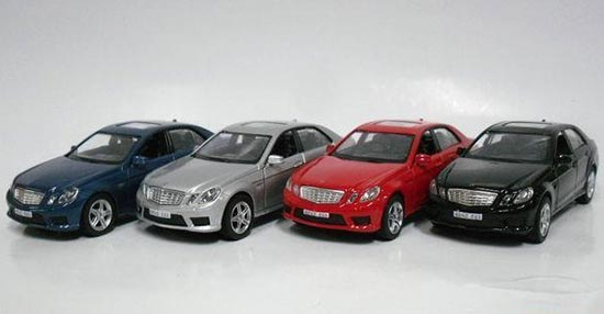 1:36 Scale Blue / Silver / Red / Black MERCEDES-Benz E63 Toy