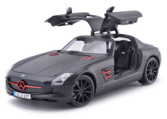 Black / Red / Blue 1:18 MaiSto MERCEDES-BENZ SLS AMG Model