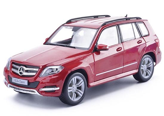 Black / White / Red 1:18 Scale MaiSto Mercedes-Benz GLK Class