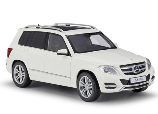 Red / Black 1:18 Scale GTA Diecast Mercedes-Benz GLK 300 Model