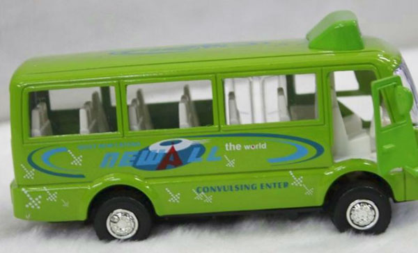 1:50 Scale White / Green / Yellow Kids City Bus Toy