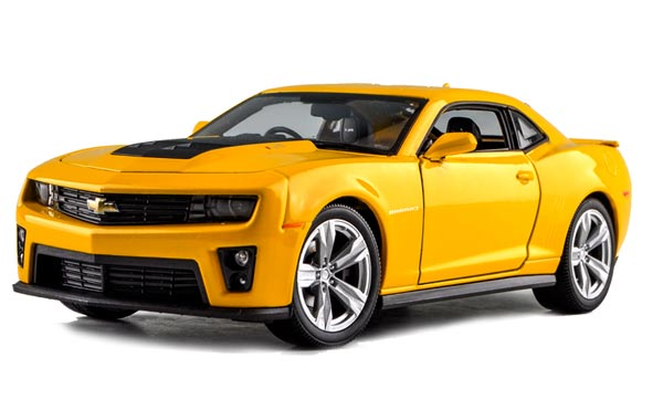 Red / Yellow 1:24 Scale Welly Diecast Chevrolet Camaro Model