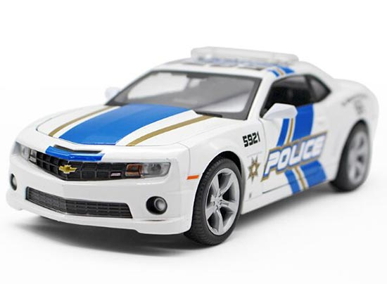 White 1:24 Scale Police Theme Diecast Chevrolet Camaro SS Model