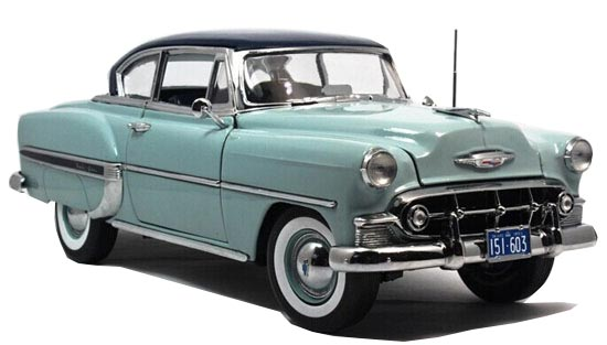 Blue 1:18 Scale SunStar Diecast 1953 Chevrolet BEL AIR Model