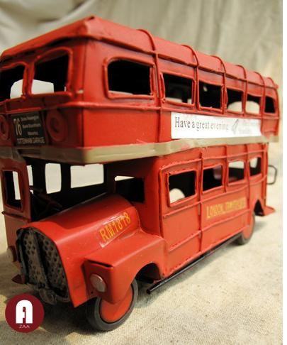 Iron Made Classical Retro Red Double Decker London Street Bus