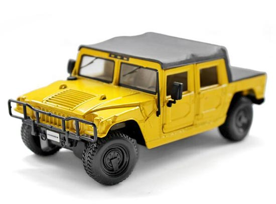 Yellow 1:27 Scale MaiSto Diecast Hummer H1 Pickup Toy