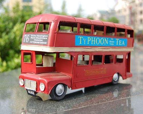 Red Tinplate Made NO.76 Classical London Double Decker Bus Model