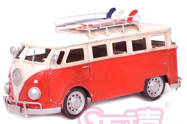 Large Scale Red-White Ancient Style Bus Model