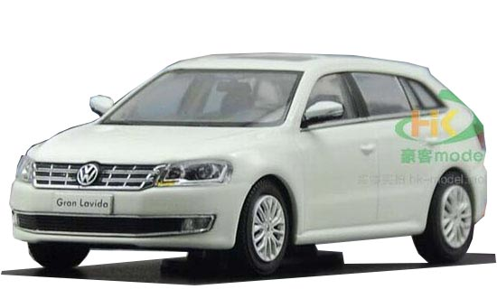 White / Blue 1:43 Scale 2013 Diecast VW Gran Lavida Model