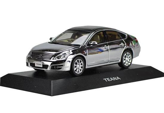 Silver / Wine Red 1:43 J-collection Die-cast Nissan Teana Model