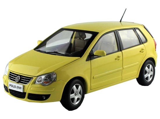 Yellow / Blue 1:18 Scale Diecast VW POLO Model