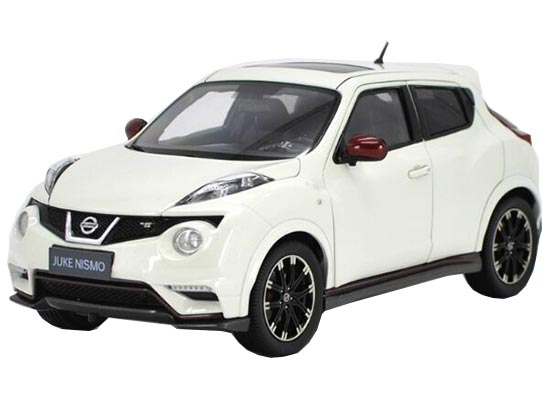 Red / White 1:18 Scale Die-Cast Nissan JUKE NISMO RS Model