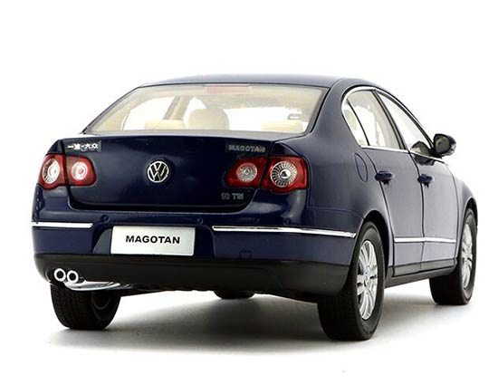 White / Gray / Silver / Red / Blue 1:18 Diecast 2010 VW Magotan