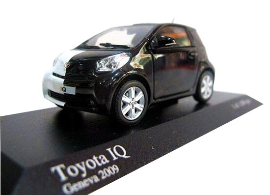 White-Black 1:43 Scale Minichamps Diecast Toyota IQ Model