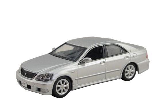 White / Black / Silver 1:43 J-collection Die-cast Toyota Crown
