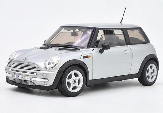 Red / Yellow 1:18 Scale Welly Diecast Mini Cooper Model