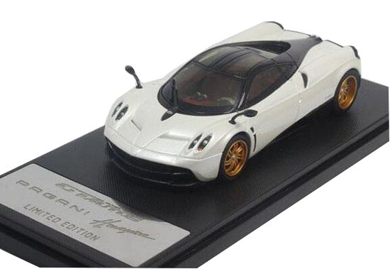 Red / White 1:43 Scale GTAUTOS Diecast Pagani Huayra Model