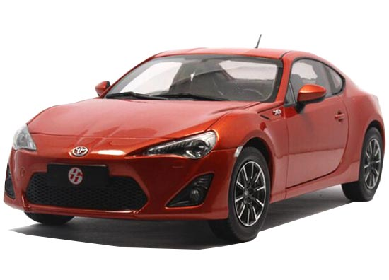 1:18 Scale Red / White Die-Cast Toyota GT 86 Model