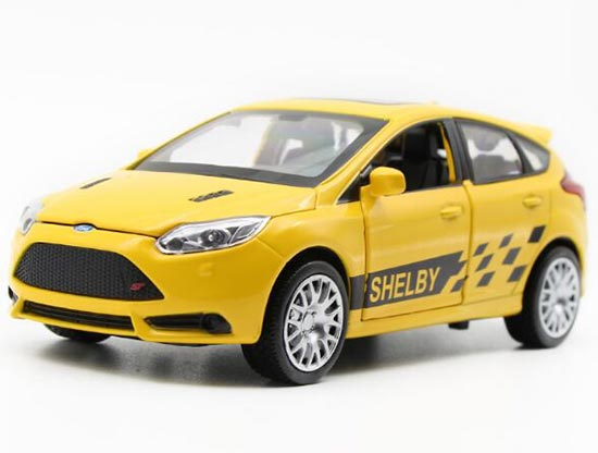 Red /Yellow / White / Green 1:32 Kids Die-Cast Ford Focus ST Toy