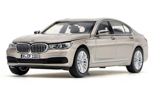 1:43 Scale Silver / Black / Blue Diecast BMW 7 Series Model