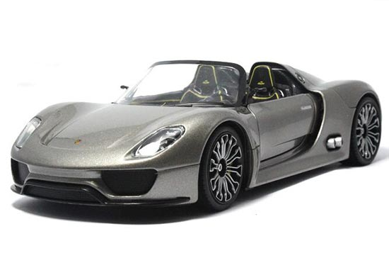 Gray 1:24 Scale Welly Die-Cast Porsche 918 Spyder Model