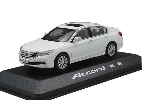 White 1:43 Scale Diecast 2014 Honda Accord Model