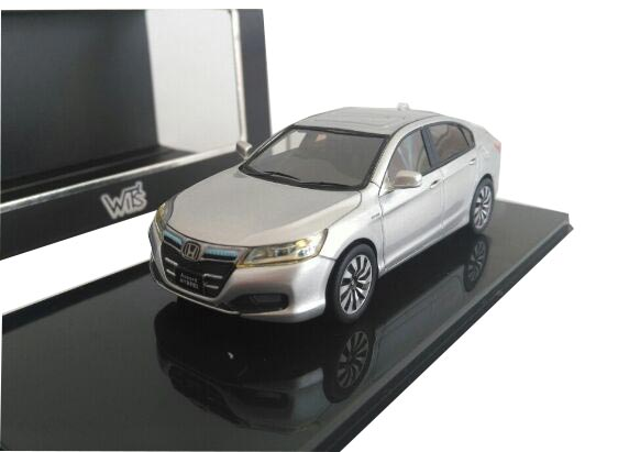 White /Silver /Black 1:43 Diecast 2013 Honda Accord Hybrid Model