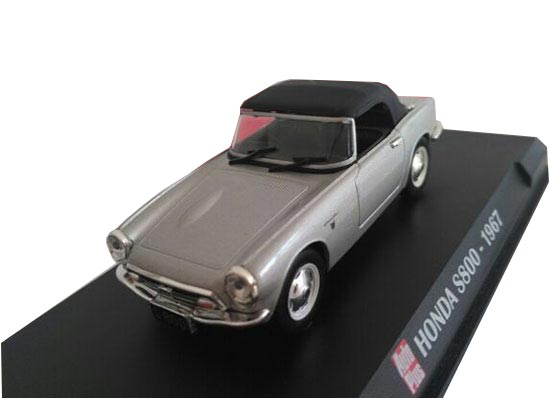 1:43 Scale Silver IXO Die-Cast 1967 Honda S800 Model