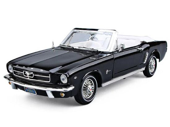 Red / Black 1:18 MotorMax Die-Cast 1964 1/2 Ford Mustang Model