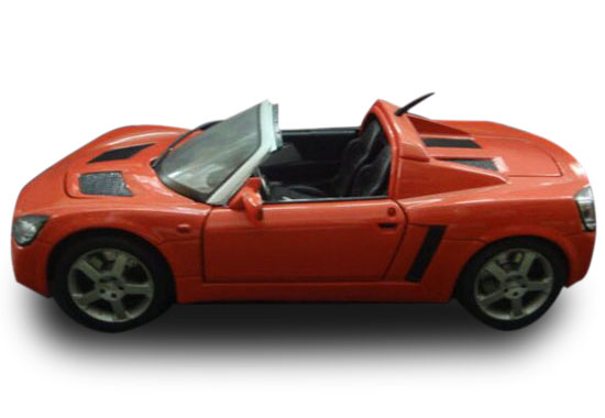 Orange 1:18 Scale Maisto Die-Cast Opel Speedster Model