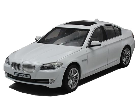White 1:18 Scale NOREV Diecast BMW 5 Series Model