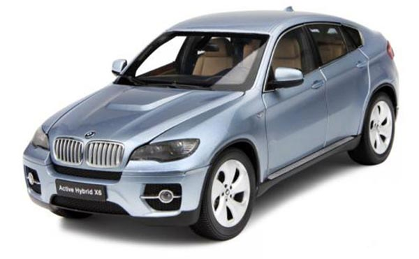Light Blue Kyosho 1:18 Scale Diecast BMW Hybrid X6 Model
