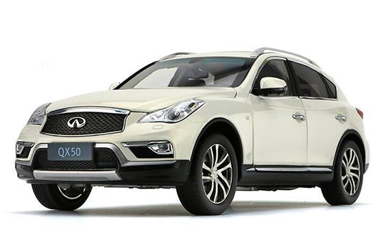 White 1:18 Scale Diecast Infiniti QX50 Model
