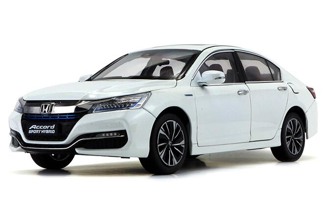 1:18 Scale White Diecast Honda Accord Sport Hybrid Model