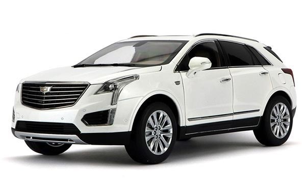 1:18 Scale White Diecast Cadillac XT5 Model