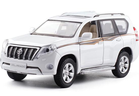1:32 Black / White 2016 Diecast Toyota Land Cruiser Prado Toy