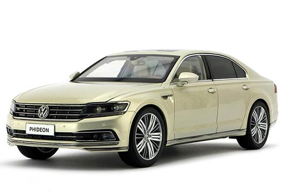 Silver / Brown 1:18 Scale Diecast VW Phideon Model