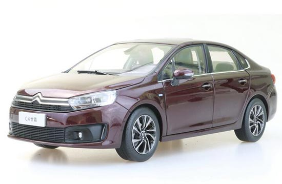 1:18 Scale White / Golden / Brown Diecast Citroen C4 Model