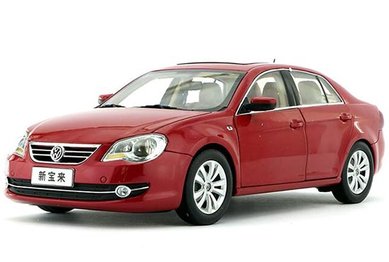 Red 1:18 Scale 2010 Diecast VW Bora Model