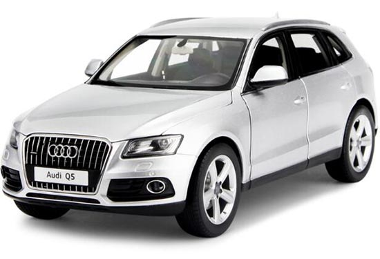Silver / Black 1:18 Scale KyoSho 2013 Diecast Audi Q5 Model