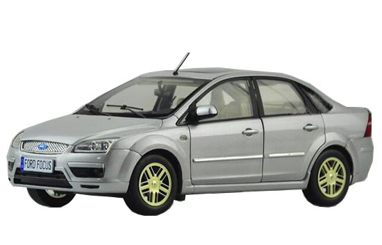 1:18 Scale Silver Diecast Ford Focus Model
