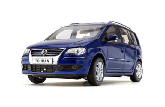 1:18 Scale Blue 2008 Diecast VW Touran Model